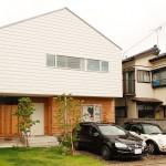 住み手の自由度いっぱいの、徹底したシンプル&ラフな家